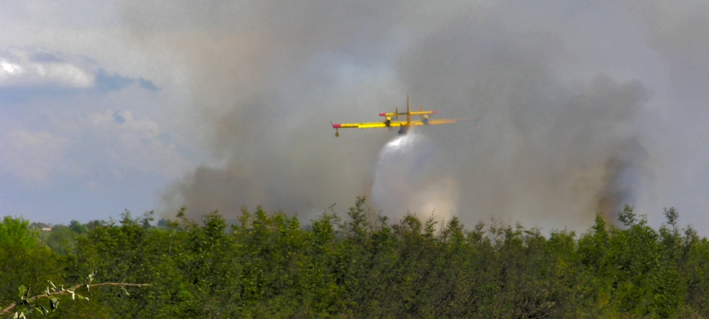 Croatian flying Firefighter in action (Canadair)