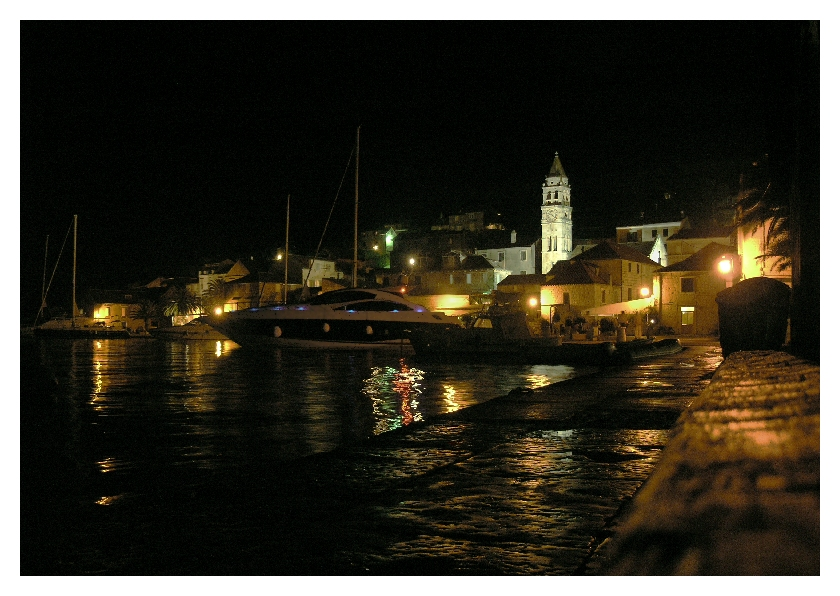 VIS harbour night
