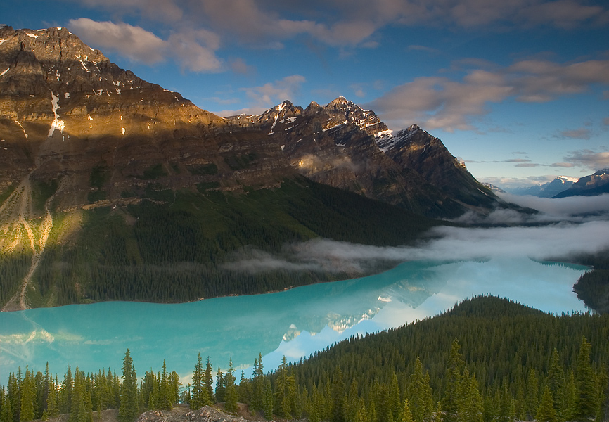 Sunrise on Peyto Lake