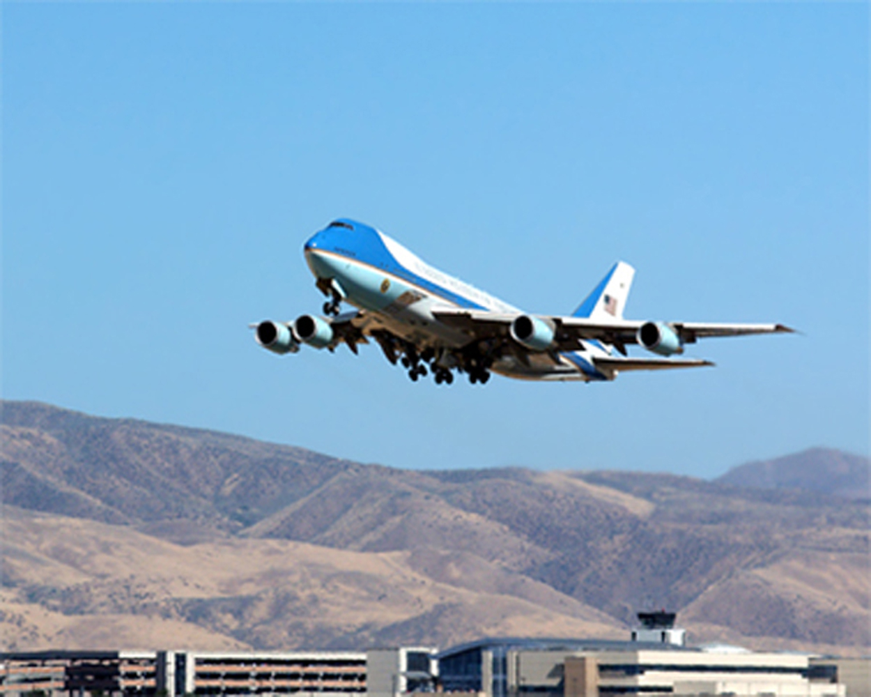 Air Force 1 leaves Idaho