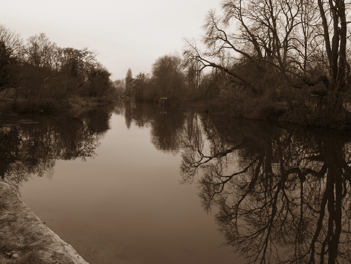 reflections on sonning lock