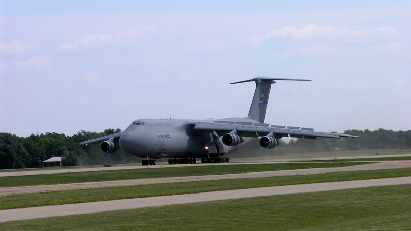 C-5 Landing at Oshkosh