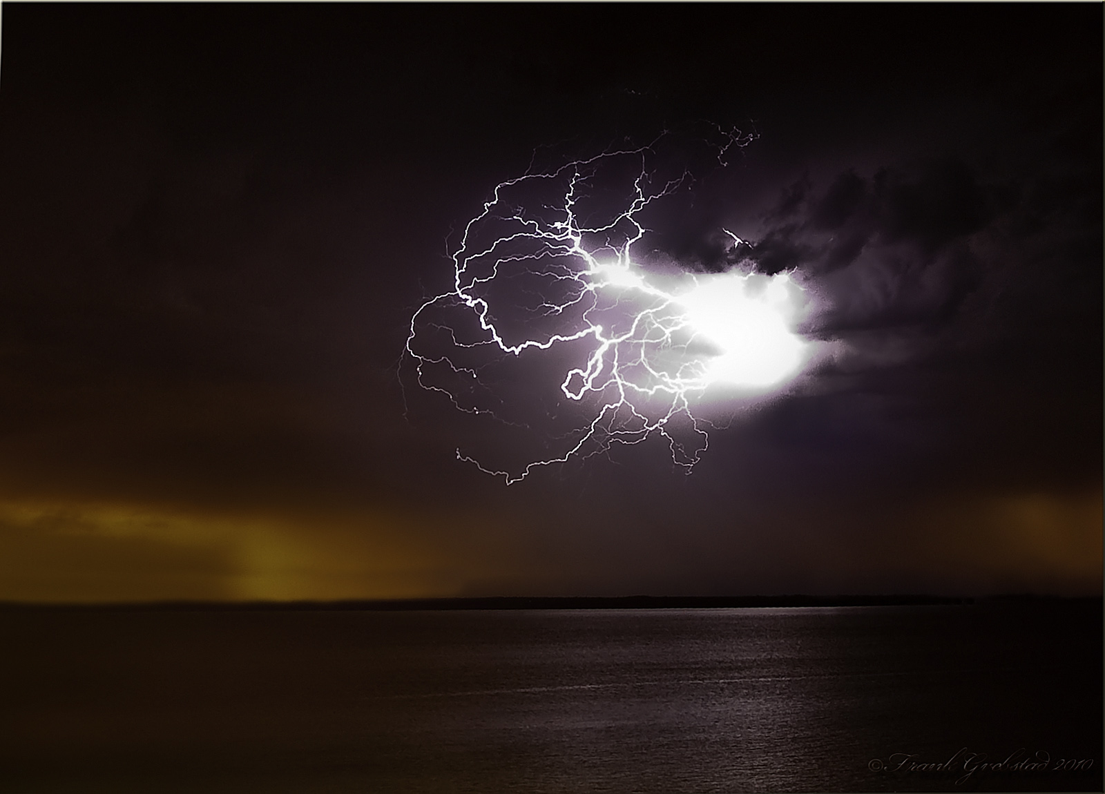 Birth of a thunderstorm